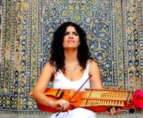 Ana Alcaide