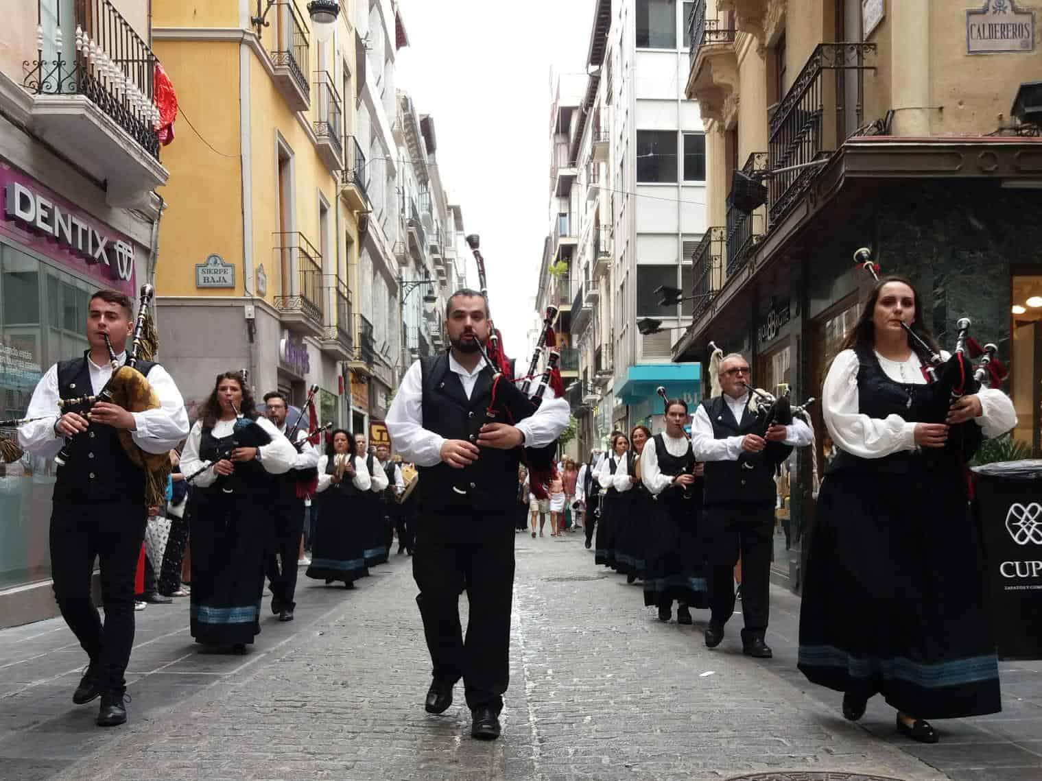 Banda de Gaitas Mazikandú en Granada